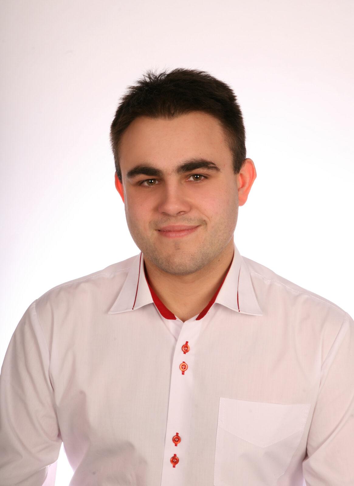 Bartłomiej Wiercimak<br /><p>Handlowiec B2B (Trader B2B)</p>